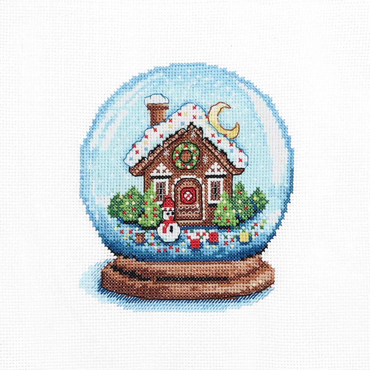 975 Набор для вышивания Hobby&Pro «Пряничный теремок» 11*13 см