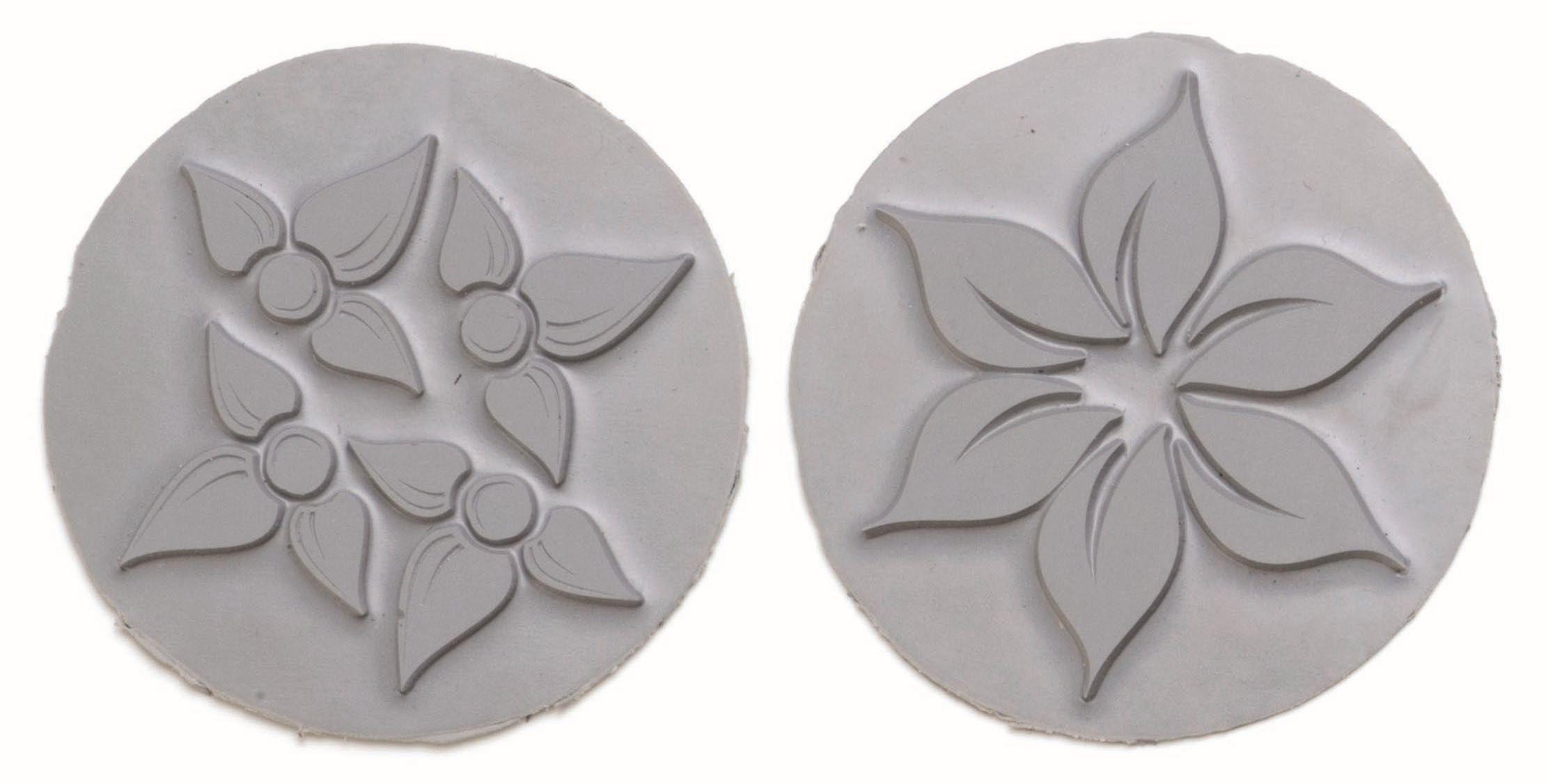 61600437 Вкладыш в круглую форму для мыловарения,цветок,2шт. Glorex
