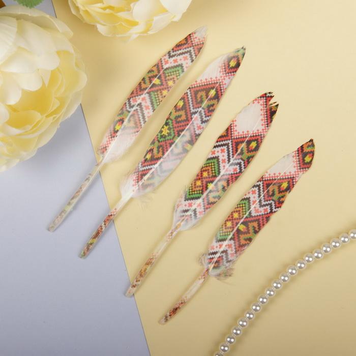 2057923 Набор перьев для декора 4 шт