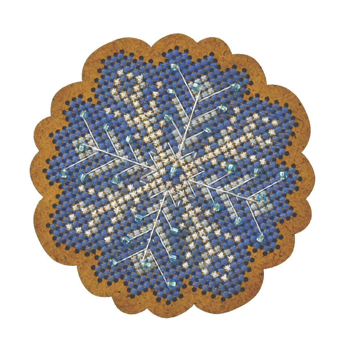 ИК-003 Набор для вышивания крестом на основе Созвездие 'Новогодняя игрушка 'Морозный узор' 6,5*6,5см