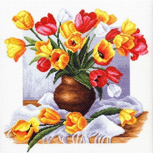 1269 Канва с рисунком 'Матренин посад' 'Тюльпаны', 41*41 см
