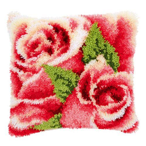 0146445-PN Подушка (ковровая техника) Vervaco 'Розовая роза с бутоном II' 40x40 см