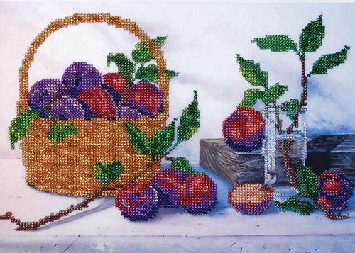 БН-3100 Набор для вышивания бисером Hobby&Pro 'Корзинка со сливами', 28*20 см