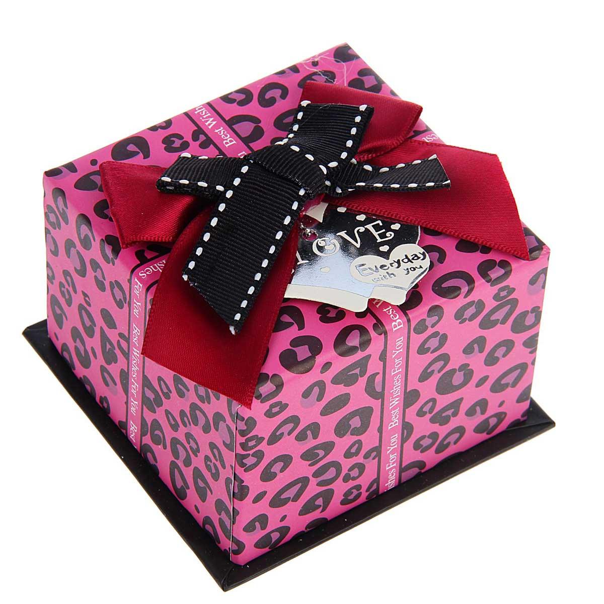 1534066 Коробка подарочная квадрат 8,5*8,5*5,5 см 'Кружочки', цвет розовый